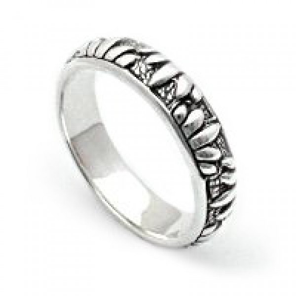 Silver Ring Adorned with Floral Petals