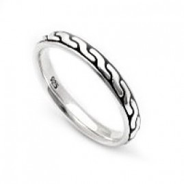 Slender Band Ring with Celtic Braiding
