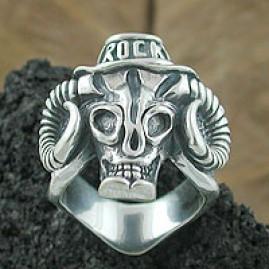 Buffalo head skull Ring